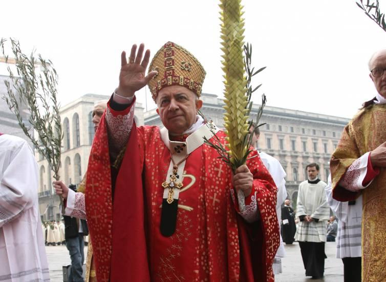 """""""Dionigi era uno di noi"""": in migliaia a Triuggio per salutare Tettamanzi"""